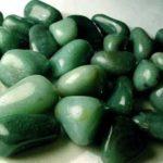 Giada: caratteristiche della pietra, lavorazioni e tipologie in vendita